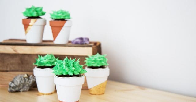 Vegan aquafaba meringue succulent cupcakes on Seitan Beats Your Meat